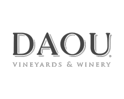 DAOU-Vineyards-Logo